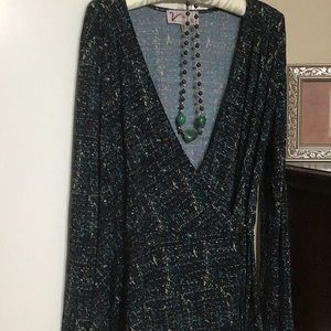 Woman's VANESSA WILLIAMS wrap-around blouse